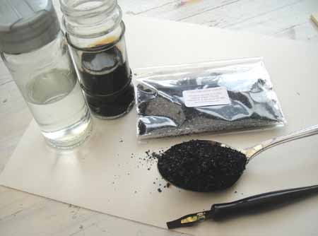 1 Tbs of walnut crystals make 50ml of ink