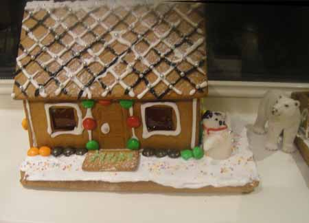 23-12-15 Gingerbread houses12-72