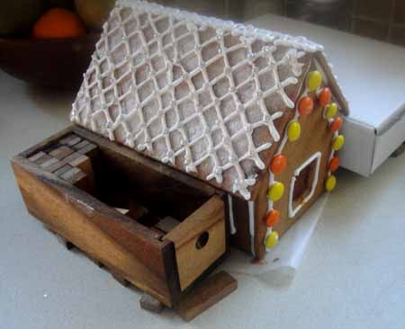 23-12-15 Gingerbread houses8-72