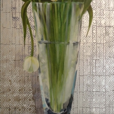 L679 Vase with tulips