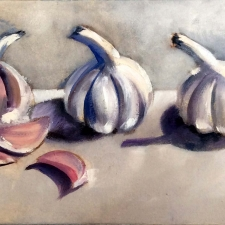 M761 Five garlic bulbs